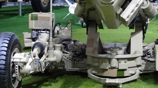 AH4型超轻型155毫米榴弹炮