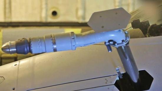 此前曝光的苏57伸缩式添油管