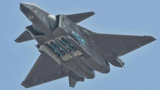枭龙战斗机的成功,客户深度全程介入是关键,歼20也让中国空军全身心投入