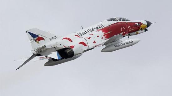 ▲采用稀奇祝贺涂装的F-4J
