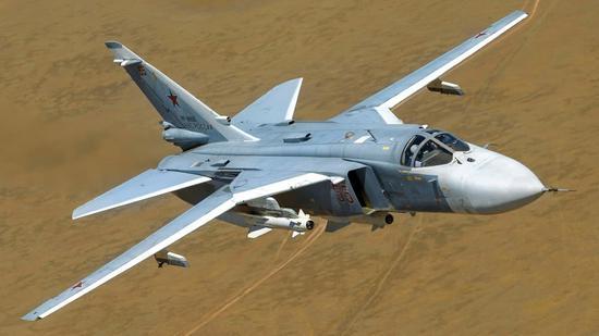 苏24击剑手抨击机,这是俄罗斯历史上变后掠翼设计最成功的作品,天然和美国一比就是垃圾