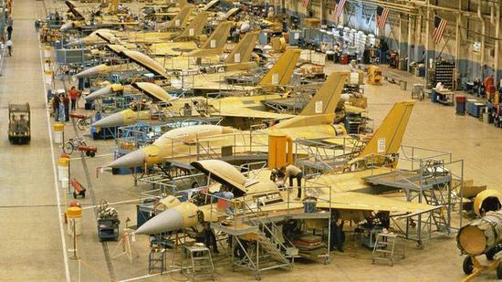 洛马正在极力将F16产线削减给印度