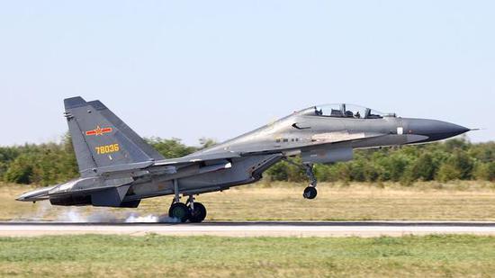 歼-16战斗机