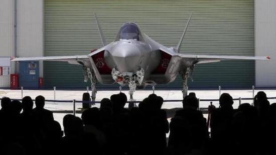 """日本自己组装的F-35""""初号机"""" 图片来自产经新闻"""