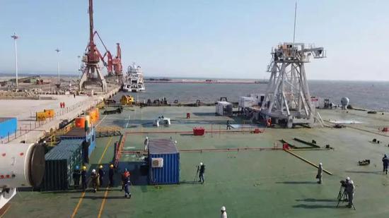 海上发射平台
