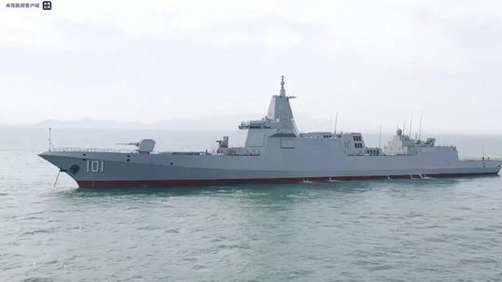 055万吨大驱首舰南昌舰入列 老搭档担任舰长政委