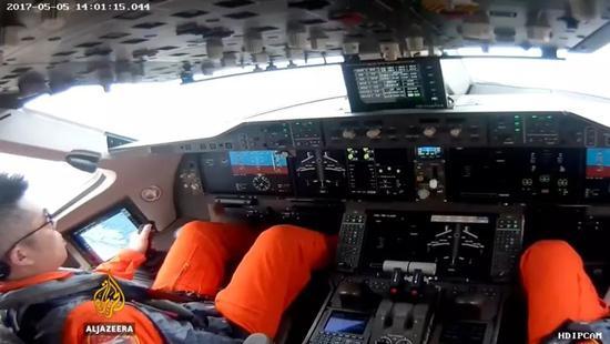 ▲C919首次飛行試驗的駕駛艙(半島電視臺報道截圖)