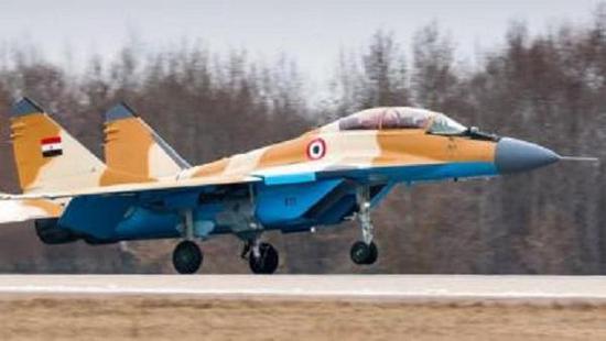 埃及空军米格-35战斗机,单价也有5000万美元旁边