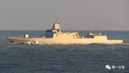 055舰二号舰拉萨舰已服役但未涂舷号