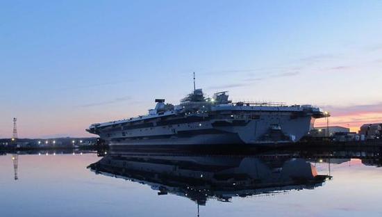 英国航母二号舰首次启动发动机