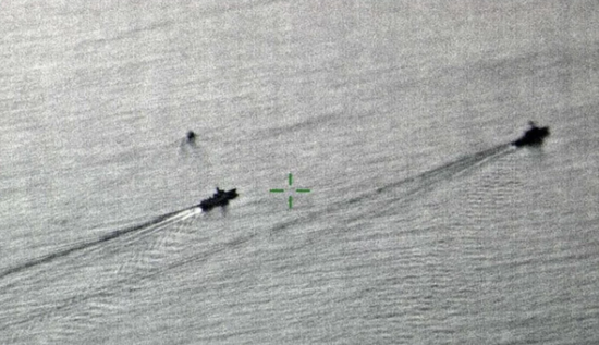 中国海军追踪美舰 图自英国防部