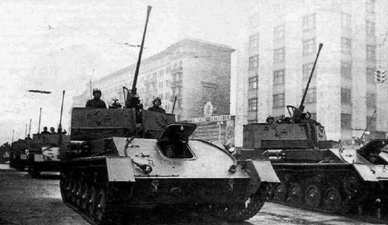装备1939年式37毫米炮的俄国自行高炮