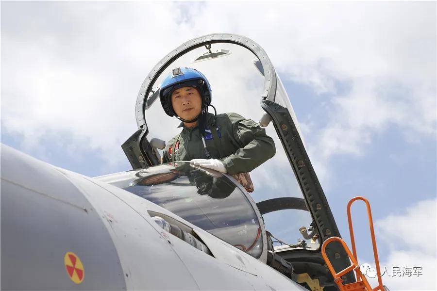 ▲海军特级飞行员袁伟