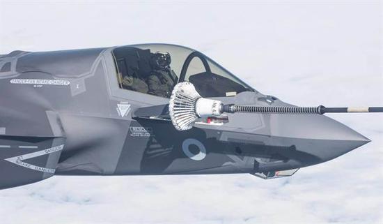 英国首批四架F35B战机到货 横跨大西洋飞行5000公里大西洋英国F35军事