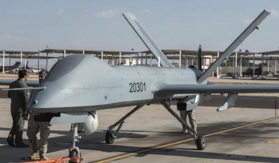 """巴基斯坦军队装备的中国""""彩虹""""-4无人机"""