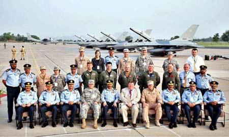 美国不能够再卖F16给巴基斯坦了