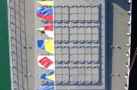 055舰中部的48联导弹垂直发射装置