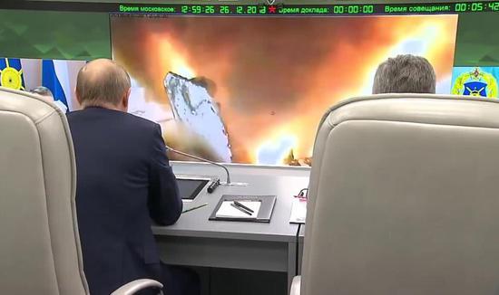 """俄总统普京不悦目摩试射""""前卫""""拙劣音速导弹。"""