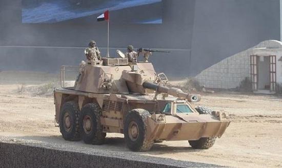 阿联酋装备的G6轮式155毫米自走榴弹炮,该炮战斗全重达到46吨