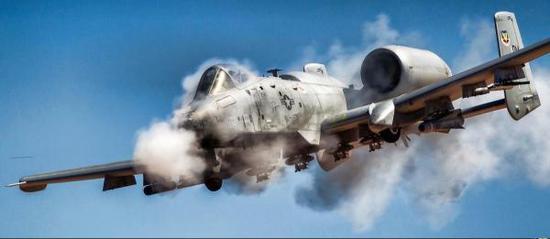 CAS义务其实现在对美军也是极大的义务,美国空军不息想尽快将A-10抨击机退伍