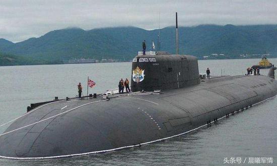 奥斯卡级核潜艇对美国航母的威胁相对较大,但是严重依赖体系支持