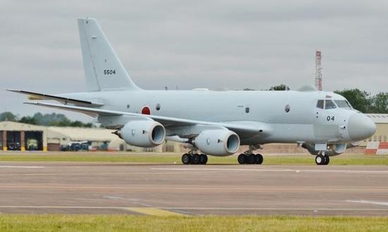 图为飞抵英国向客户卖力展现的川崎P-1逆潜机。