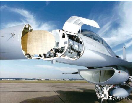 图注:台湾F-16战斗机现在操纵的是APG-68脉冲多普勒雷达