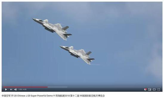 图为本届航展公多日首日,日本军机摄影喜欢益者拍下的歼-20外演4K高分辨率视频截图。