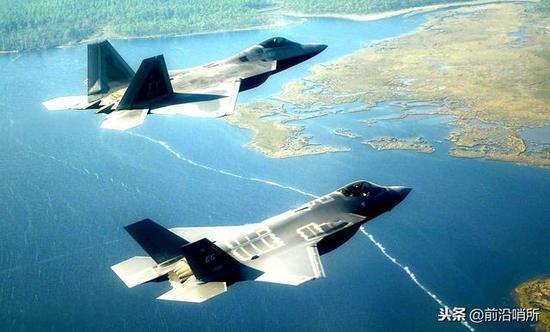 F-22与F-35隐身战机
