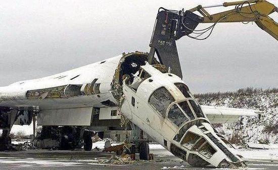 乌克兰以前义无逆顾屏舍战略轰炸机