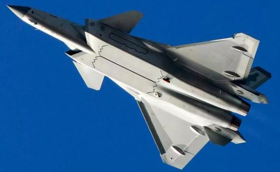 未来歼-20将开发双座型号