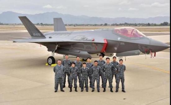 日本将先于中国装备隐形战机_韩国接收首批2架F35 美将用300架隐身战机围堵中国|战斗机|隐身 ...