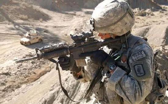 ACOG已经是美军士兵的标配