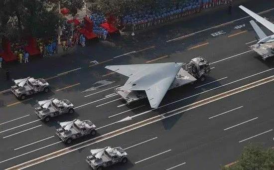 美媒:中国加速培训无人机操作员 多学院开设相关课程