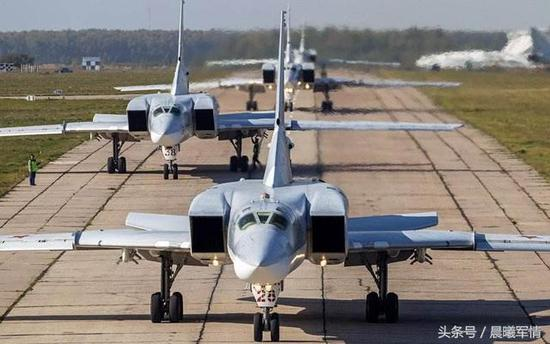 """曾经的""""航母杀手""""图22M超音速轰炸机机群如今所剩无多"""