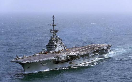 巴西航母圣保罗号从法国矮价购入,但是并无力义务腾贵的阵风航母舰载机