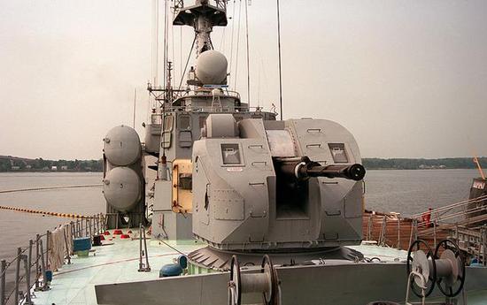 """图为越南""""毒蜘蛛""""导弹艇上的AK-176舰炮。"""