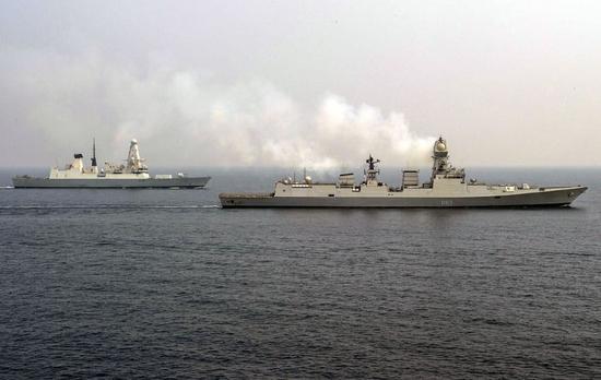 印度最强战舰与中国052D谁更强 印网民:颜值差太多