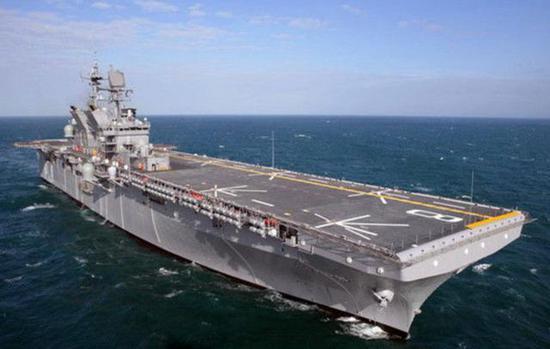 """""""美国""""级两栖抨击舰"""