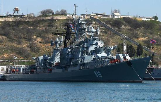 俄军真爷们:一艘战舰单枪匹马冲到美军演现场最中央