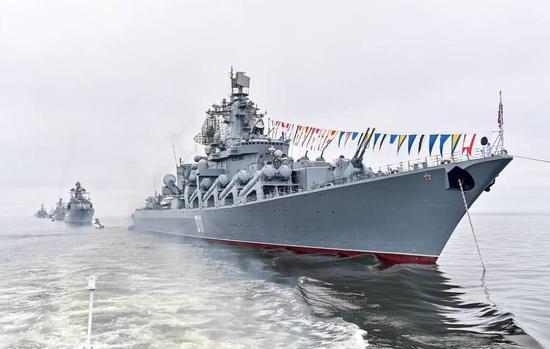 中国首艘075型两栖攻击舰刚下水 台军就回应了