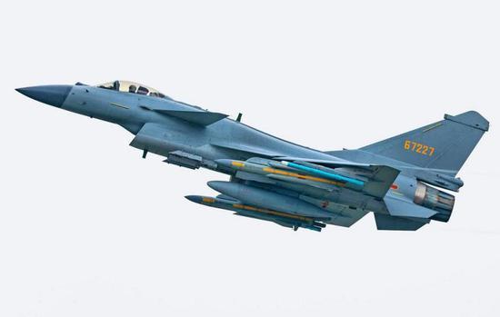 歼-10C是一款多用途战斗机,空战和对地攻击能力都很强