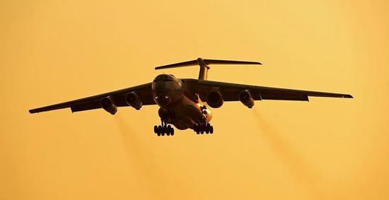 图片:伊尔76飞行台测试中的涡扇-20