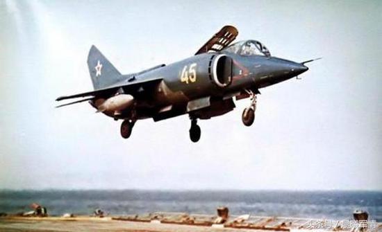 作为第一代垂直/短距起降战斗机,雅克38存在许多难以克服的重大缺陷