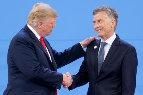美国总统特朗普和阿根廷总统马克里 (右)