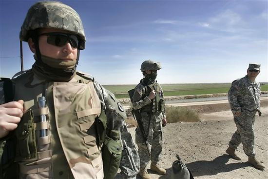 2007年被布什总统部署到美墨边境的美军士兵