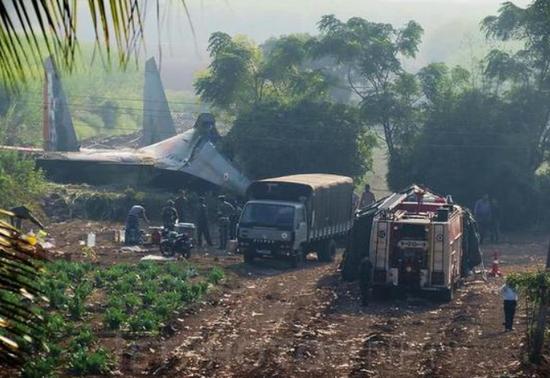 2014年10月14日,苏-30MKI坠毁印度西部都会浦那,飞行员弹射