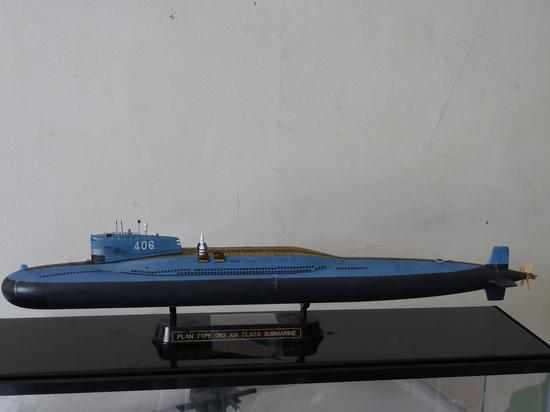 HOBBY BOSS出品 1/350比例 中国海军092战略核潜艇