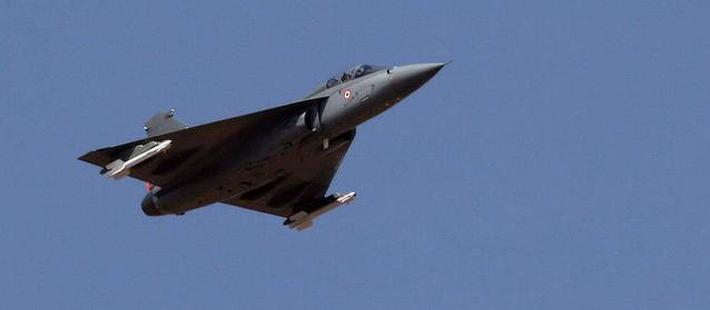 印度军方确定采购323架LCA战机 印度网友欣喜不已