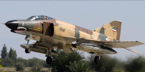 美媒:伊朗利用中国巡航导弹武装F4战机 威胁美航母